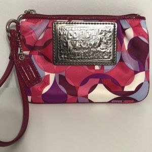 Coach small poppy wristlet zip purse